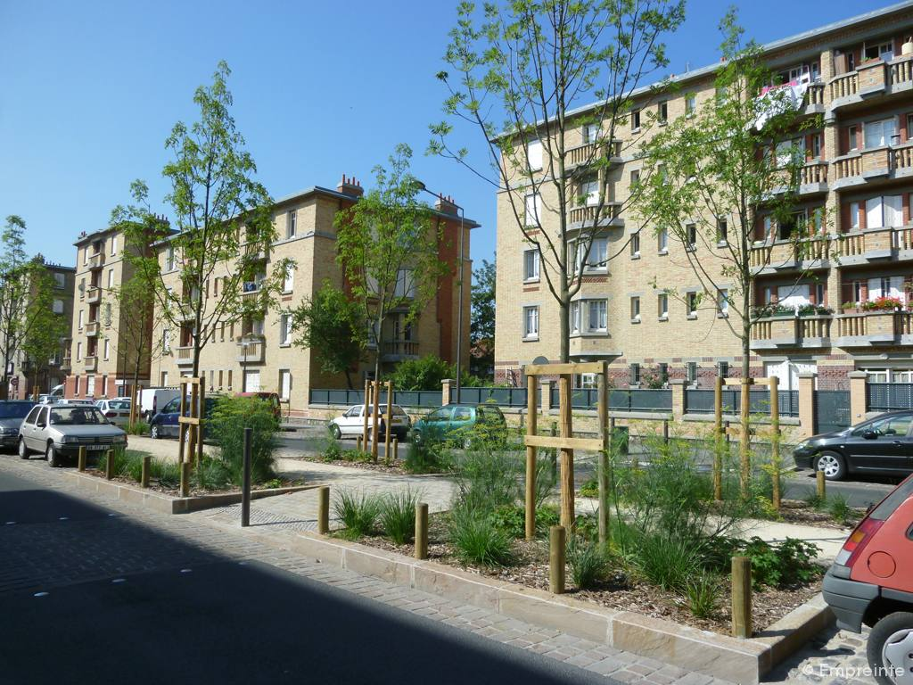 Cit jardin empreinte bureau de paysages for Piscine de stains